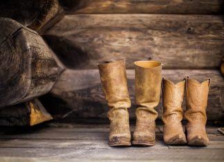 Srebrne buty na każdą okazję